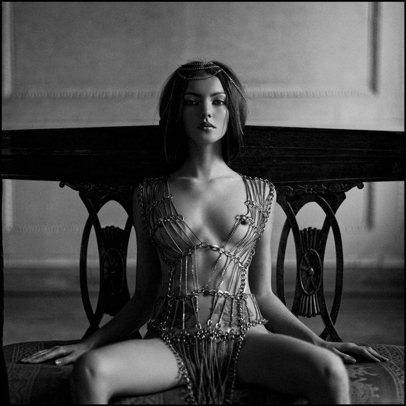Черно белая фото эротика девочек онлайн фото 695-447